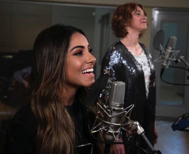 Gabriela Rocha lança single internacional em parceria com Kim Walker