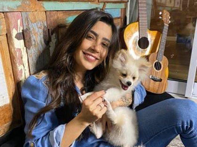 Lauana Prado_Easy-Resize.com