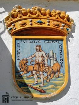 Escudo heráldico de Cádiz, Parque Genovés. Obra del ceramista Ruiz de Luna que formaba parte de la fuente de Benlliure.