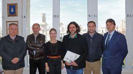 Ana MEstre junto a los promotores de la candidatura de Cádiz como sede del X Congreso Internacional de la Lengua Española
