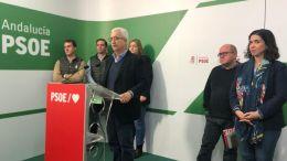 Manuel Jiménez Barrios y Noelia Ruiz junto a los representantes de COAG, UPA y ASAJA