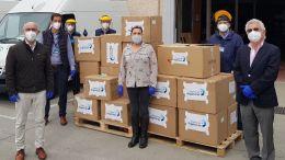 Personal portuario entrega la donación de equipos de protección contra el COVID-19