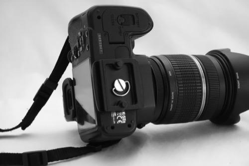 ZOMEI 三脚 Q555 クイックシューのカメラへの取り付け