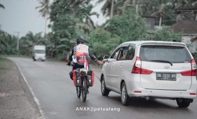 Dua Pemuda Indonesia Nekat Naik Sepeda ke Mekkah, Rute perjalanan dari Indonesia ke Mekkah