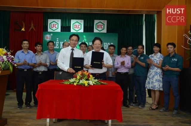 Cách mạng 4.0 đến, một doanh nghiệp lớn ở Hà Nội đã sa thải 80% công nhân vì robot: Chúng tôi cũng đau xót lắm! - Ảnh 1.