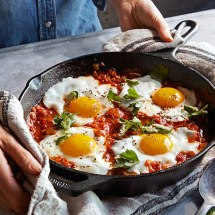 lodge-cast-iron-round-fry-pan-o.jpg