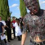 Invasión zombie en el Parque Warner de Madrid