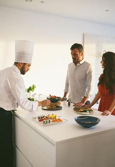 El summun de lujo: tener un chef privado en tu suite
