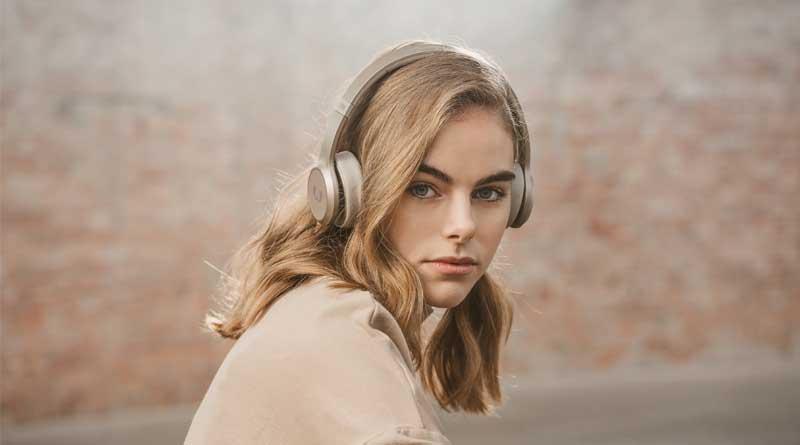 auriculares on-ear Code ANC