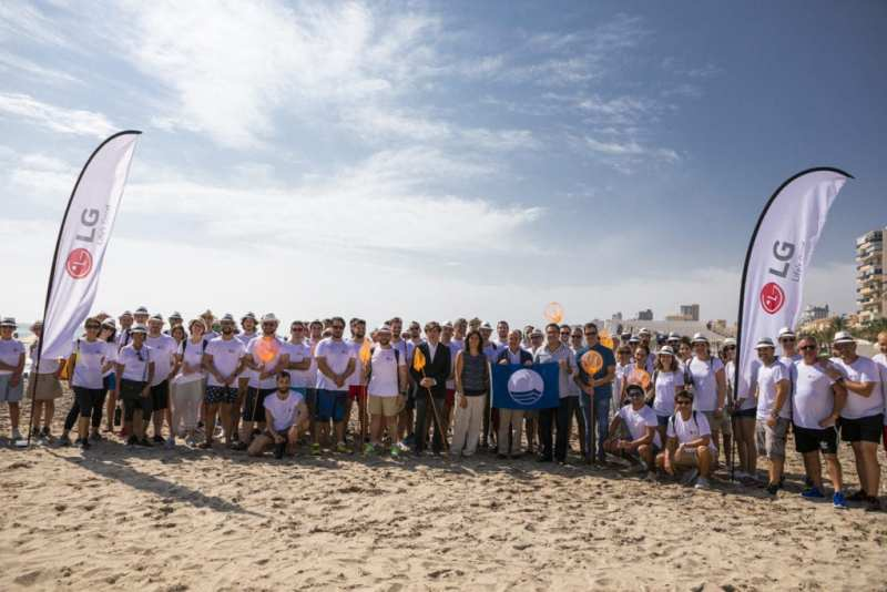 LG Iberia El Campello 1024x683 - LG Iberia ayuda a limpiar el Mediterráneo
