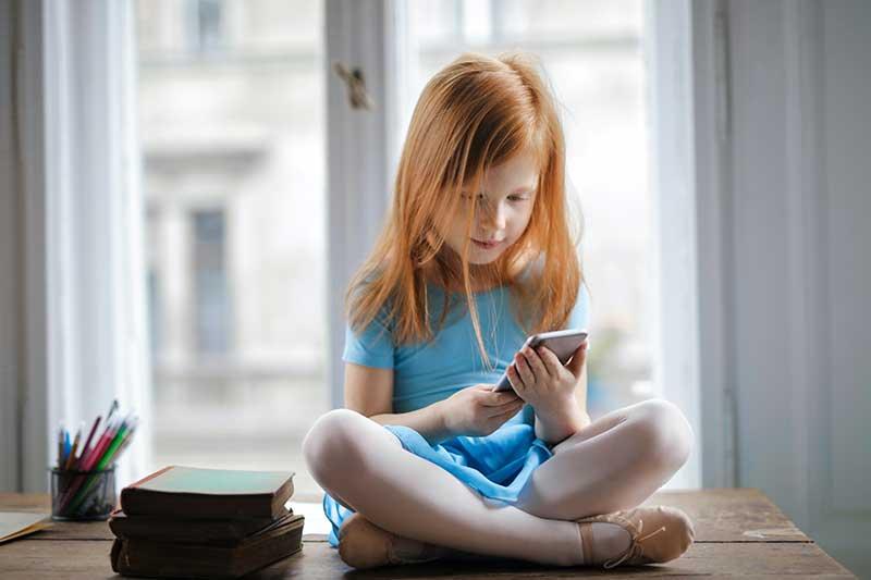 pexels andrea piacquadio 3755620 - ¿Son realmente las pantallas tan perjudiciales de los smartphones y tables para nuestros hijos?