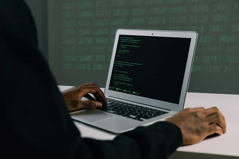 pexels mati mango 6330644 - Café con Podcast se suma al Día Europeo de la Protección de Datos: Check Point advierte de que casi la mitad de las empresas no protegen sus datos
