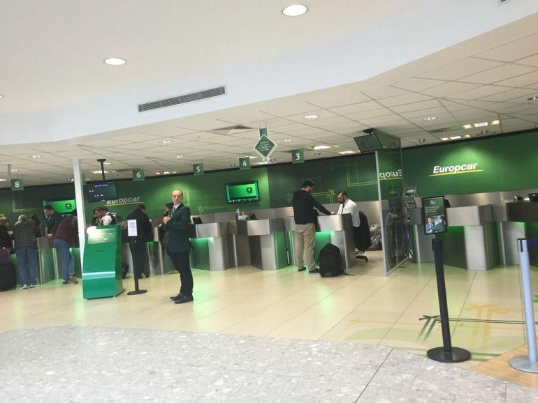 Oficina de Europcar en el aeropuerto de Edimburgo