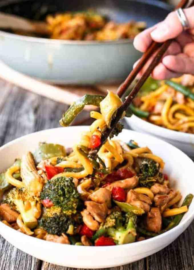 Chicken Noodle Stirfry - Cafe Delites