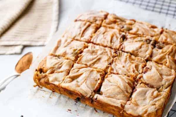 Cinnamon Cheesecake Swirled Pumpkin Blondies