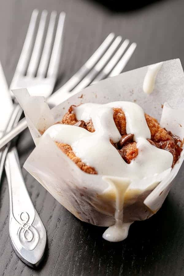 No Yeast Choc Chip Cinnamon Rolls | http://cafedelites.com