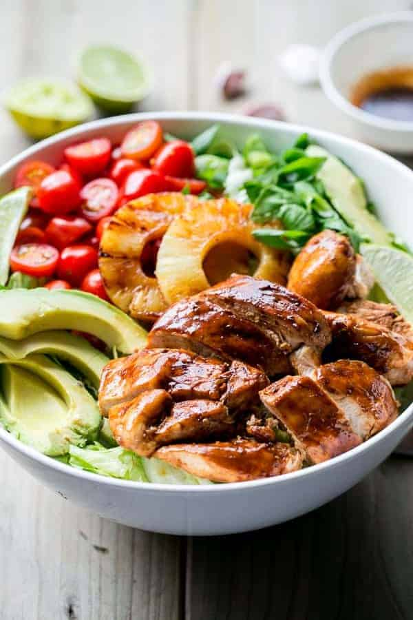 Garlic and Lime Bbq Chicken Salad | https://cafedelites.com