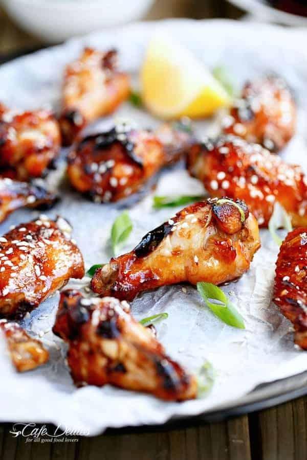 Sticky Honey Sesame Chicken Wings | http://cafedelites.com