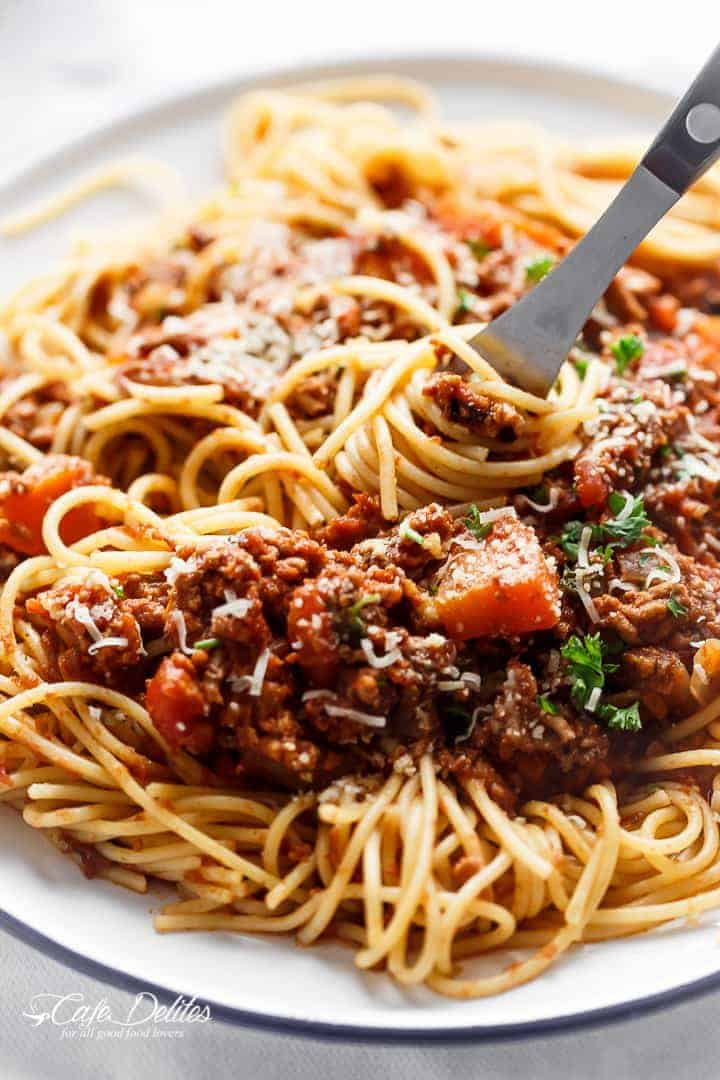 Slow Cooker Bolognese Sauce   http://cafedelites.com