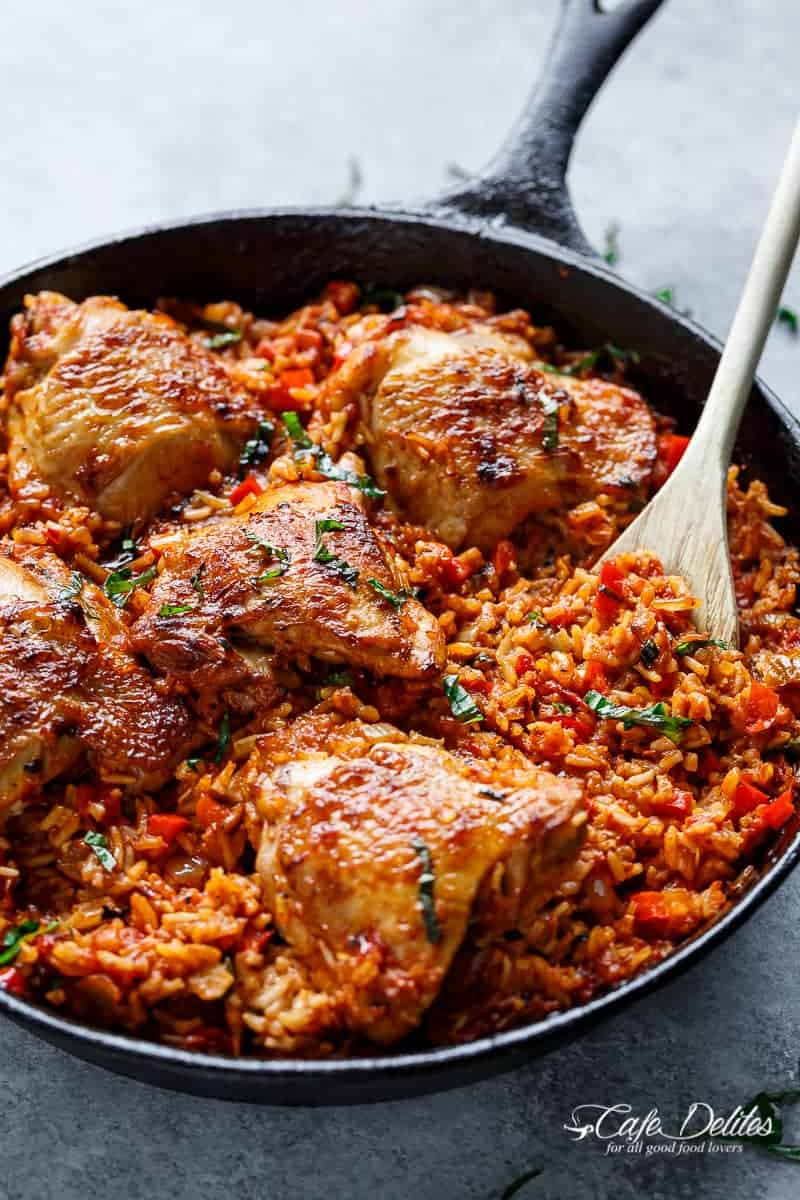 One Pan Tomato Basil Chicken & Rice | http://cafedelites.com