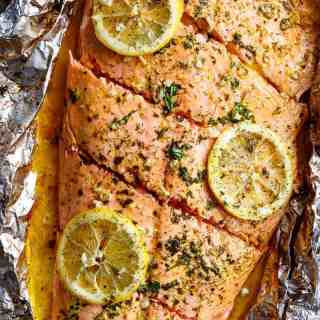Lemon Butter Garlic Salmon with only a handful of ingredients, with maximum taste and minimal clean up!   http://cafedelites.com