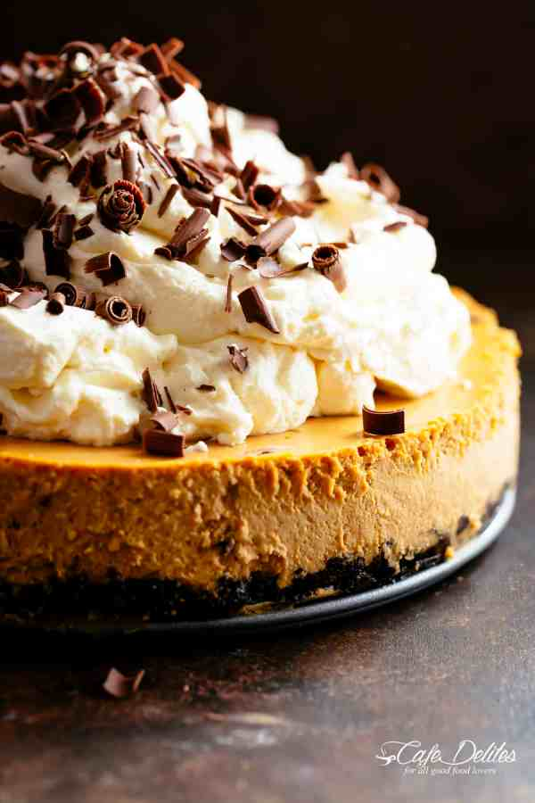 Pumpkin Cheesecake with an Oreo base | cafedelites.com