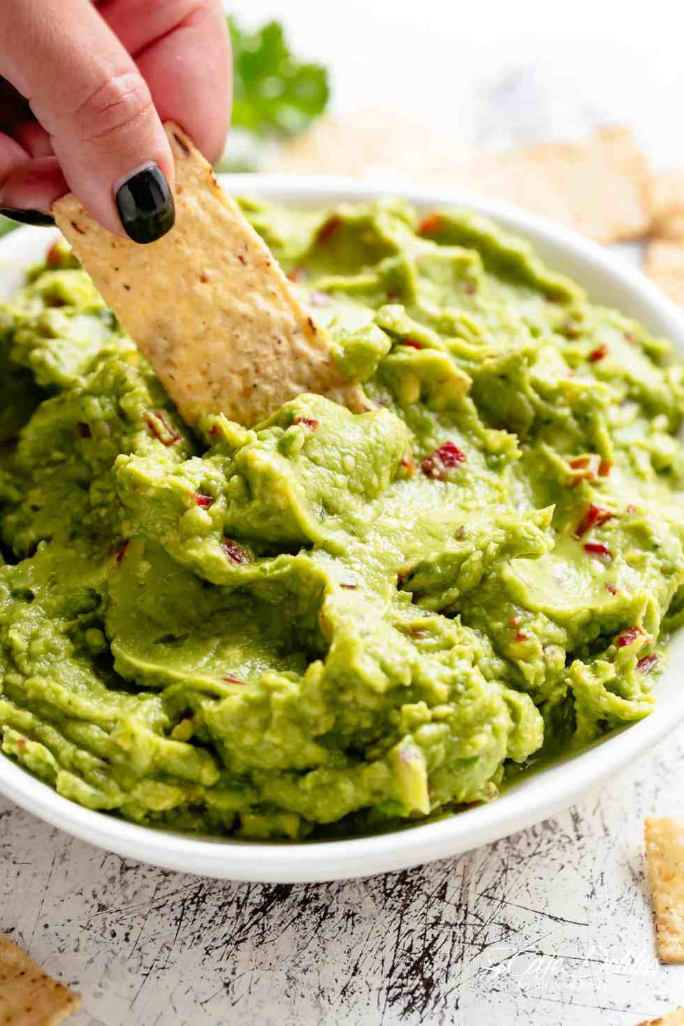 Homemade Guacamole for fajitas, tacos and carnitas! | cafedelites.com