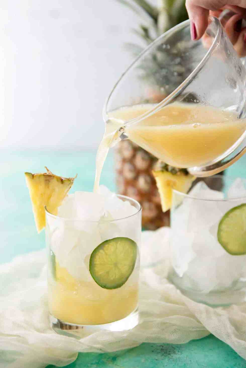 Tropical Pineapple Rum Punch | cafedelites.com