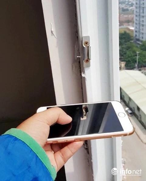 Tường bao cam kết trong hợp đồng là dày 20cm nhưng khi chủ đầu tư đưa khách hàng vào nghiệm thu thì chỉ còn 10cm.