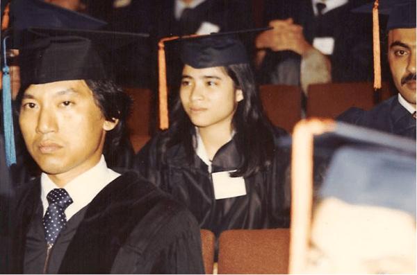 Bà Loan trong buổi lễ tốt nghiệp ngành kỹ thuật điện ở trường đại học Texas ở Austin vào năm 1982.