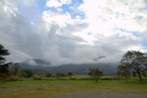 ハートランド牧場から望む屏風方面