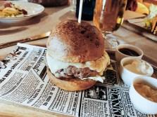 Brunch-Behia_Behia-cheeseburger_01
