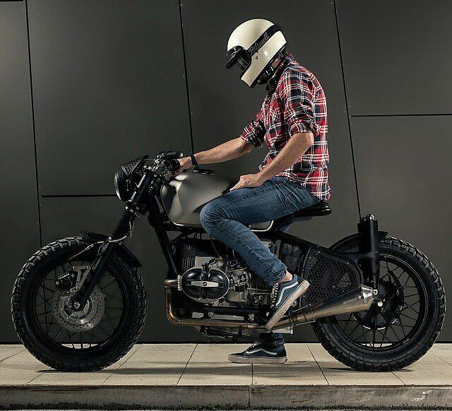 By @squid_vicious - In love with the voltron by @er_motorcycles . #caferacer #caferacers #caferacerstyle #caferacersculture #caferacerbuilds #vintage #vintagestyle #vintagefashion #motocycle #moto #motos #motorcycles #oldstyle #oldschool #bratstyle #motorbike #motor #helmet