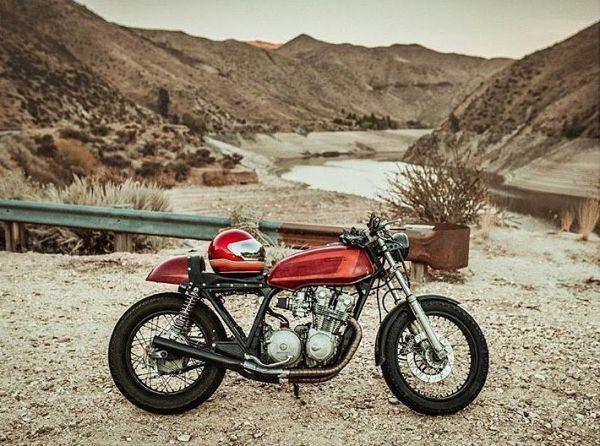 Photo by @tonyandrewgram 1979 #cb750k Bitwell Gringo helmet . #caferacer #caferacers #caferacerstyle #caferacersculture #caferacerbuilds #vintage #vintagestyle #vintagefashion #motocycle #moto #motos #motorcycles #oldstyle #oldschool #bratstyle #motorbike #motor #helmet