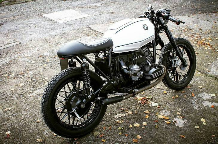 By @mechanic_monkey_garage - 🔵⚪️🇩🇪 . #Bmw #caferacer #caferacers #caferacerstyle #caferacersculture #caferacerbuilds #vintage #vintagestyle #vintagefashion #motocycle #moto #motos #motorcycles #oldstyle #oldschool #bratstyle #motorbike #motor #helmet