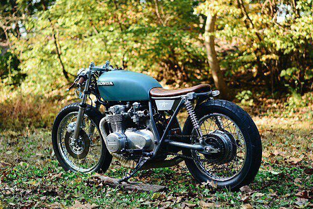 @chris____graham recently finished building this garage built #Honda CB550 . #caferacer #caferacers #caferacerstyle #caferacersculture #caferacerbuilds #vintage #vintagestyle #vintagefashion #motocycle #moto #motos #motorcycles #oldstyle #oldschool #bratstyle #motorbike #motor #helmet