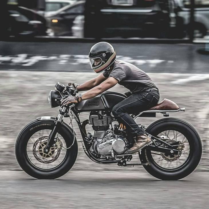 By @zeuscustom -  The Zeno Racer Project of Zeus Custom . #zeuscustom  #caferacer #caferacers #caferacerstyle #caferacersculture #caferacerbuilds #vintage #vintagestyle #vintagefashion #motocycle #moto #motos #motorcycles #oldstyle #oldschool #bratstyle #motorbike #motor #helmet