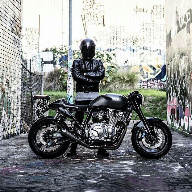 By @jamieblakecrozier -  The Muscle Racer #xjr1300 #yamaha  @matt_coleman_photography Bike by @rb_racing @helcamino383 . #caferacer #caferacers #caferacerstyle #caferacersculture #caferacerbuilds #vintage #vintagestyle #vintagefashion #motocycle #moto #motos #motorcycles #oldstyle #oldschool #bratstyle #motorbike #motor #helmet