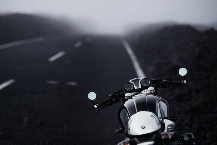 By @caferacerninet -  90 into the fog @yeraycruz @eduhfotografia . #caferacer #caferacers #caferacerstyle #caferacersculture #caferacerbuilds #vintage #vintagestyle #vintagefashion #motocycle #moto #motos #motorcycles #oldstyle #oldschool #bratstyle #motorbike #motor #helmet