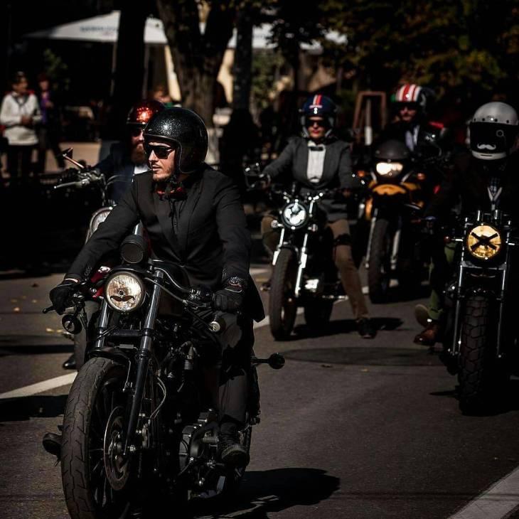 By @bikenationmagazine .  #bikenationmagazine #caferacer #caferacers #caferacerstyle #caferacersculture #caferacerbuilds #vintage #vintagestyle #vintagefashion #motocycle #moto #motos #motorcycles #oldstyle #oldschool #bratstyle #motorbike #motor #helmet