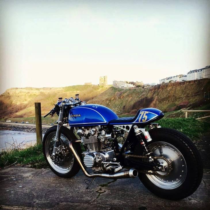 By @jimalonze - .  #cb500t #scarborough #alonzecustom #caferacer #caferacers #caferacerstyle #caferacersculture #caferacerbuilds #vintage #vintagestyle #vintagefashion #motocycle #moto #motos #motorcycles #oldstyle #oldschool #bratstyle #motorbike #motor #helmet