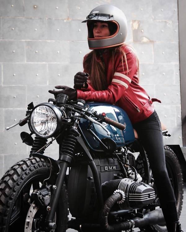 The model @eguiraun  in a by @roamotorcycles photo: @alvaro.diez