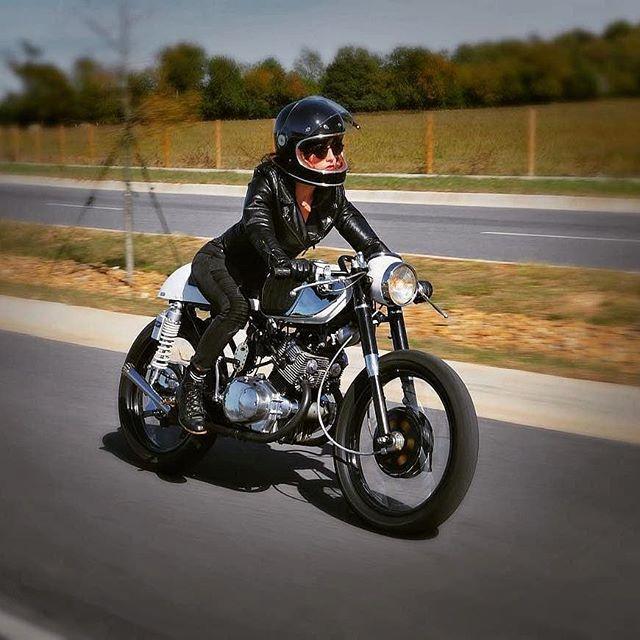 @kimchi_dreams21on a Honda CB 160 year: 1964 by 📸: @trippinhawk