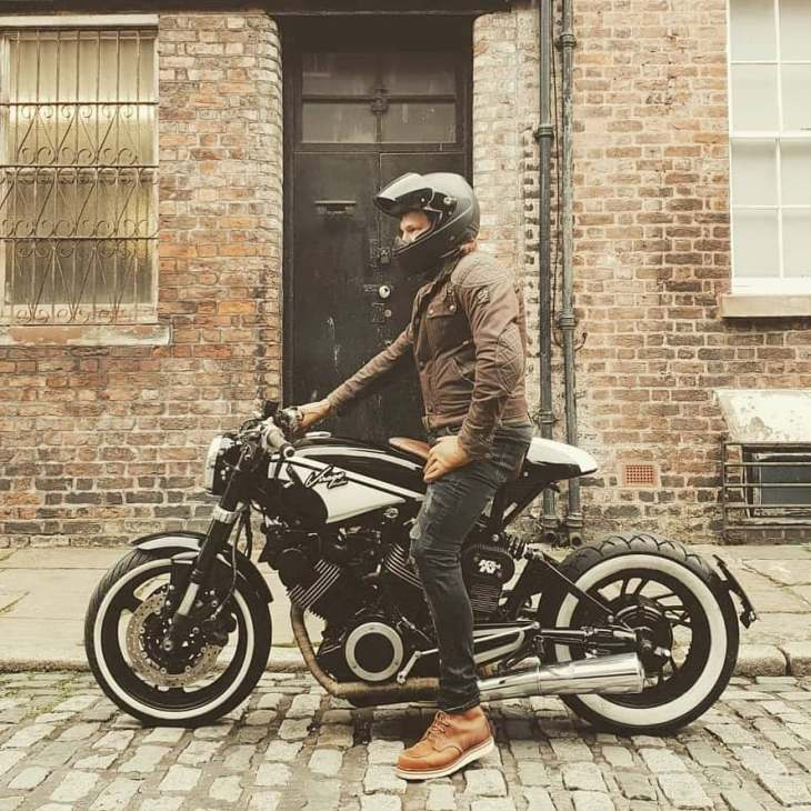 @flashbackracer on his Yamaha Virago