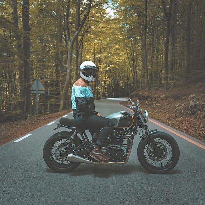 Triumph Bonneville by @stevobcn + @kiddomotors / 📷 @xavi_dynamische