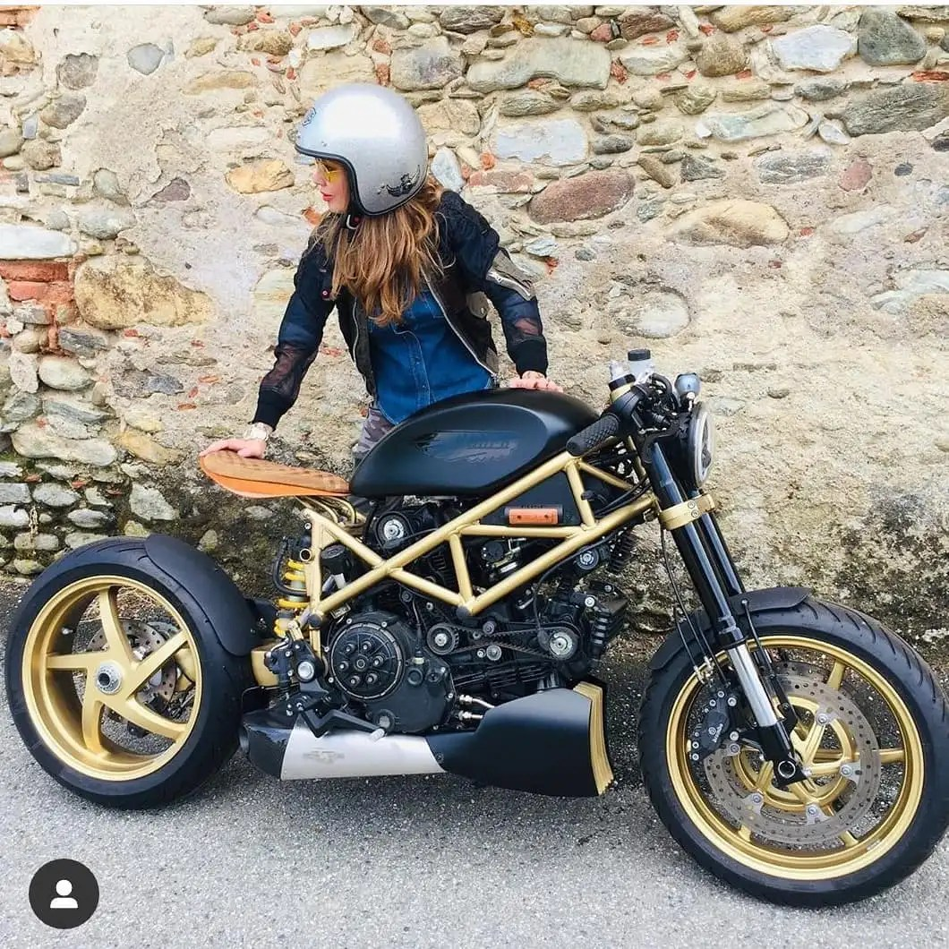 @chiara__ki with a incredible Ducati Multistrada 🛠️ by @stereomotorcycles