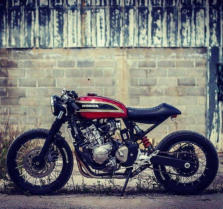 Honda CB600f Hornet Cafe racer project 🔧🔨: @jigsaw_customs 📷 @alexandrosgiagiakos