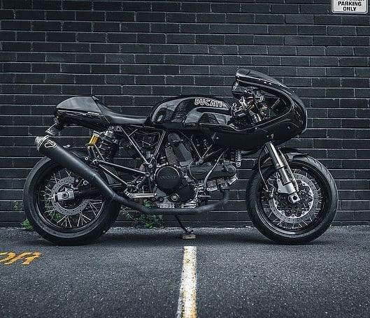 Sport Classic Ducati 1000 by  @gasolinemotorco 📷 @moto_feelz