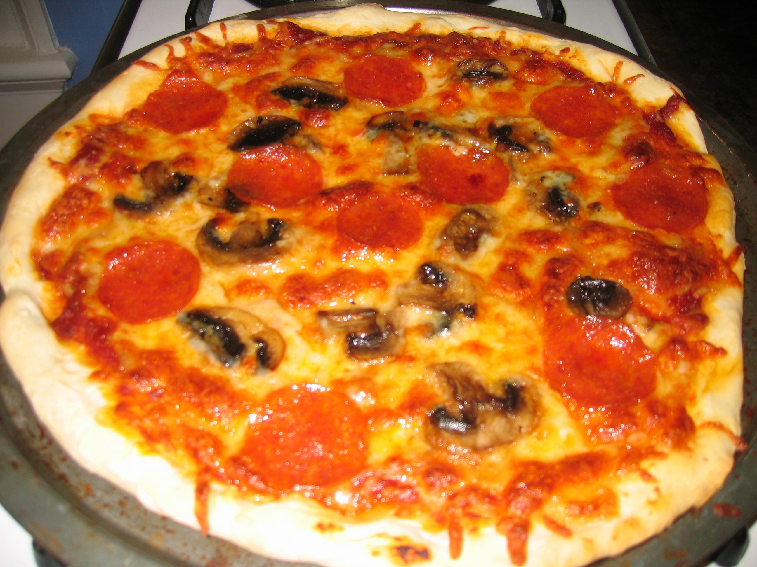 Pepperoni & Mushroom Pizza