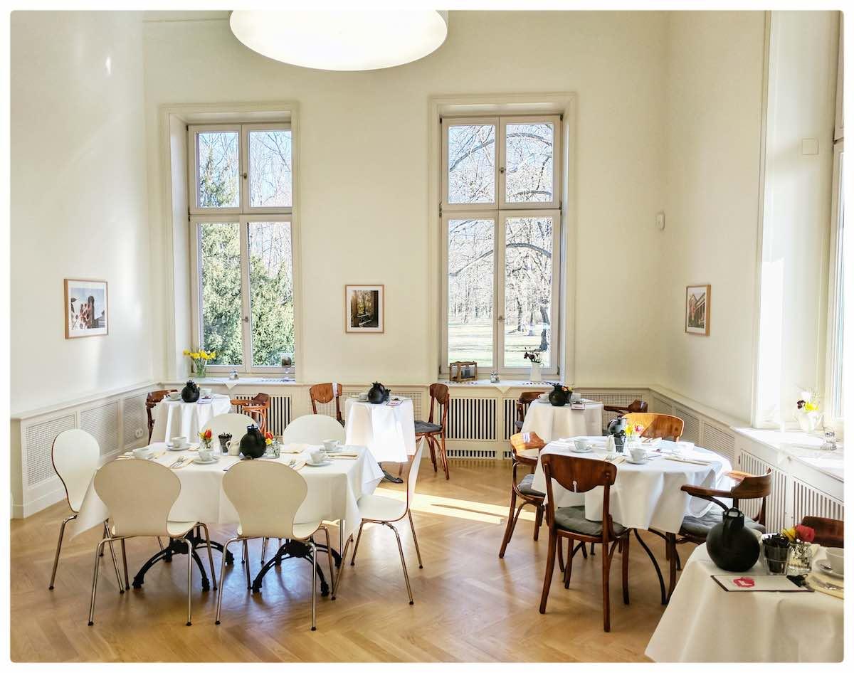 Cafe Schloss Biesdorf - Willkommen !